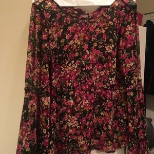 Nwt pink black floral print bell sleeve blouse s